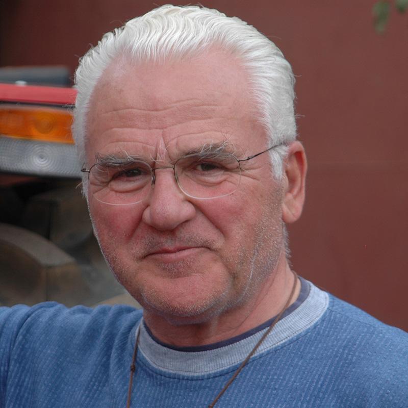 Dr. Robert Anhof